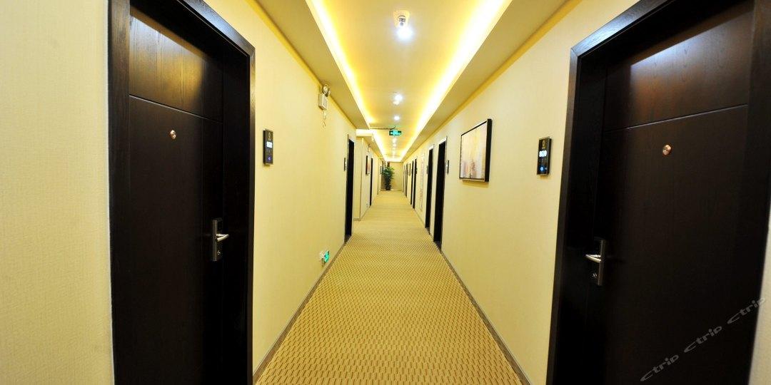 速8酒店(厦门机场湖里大道店)