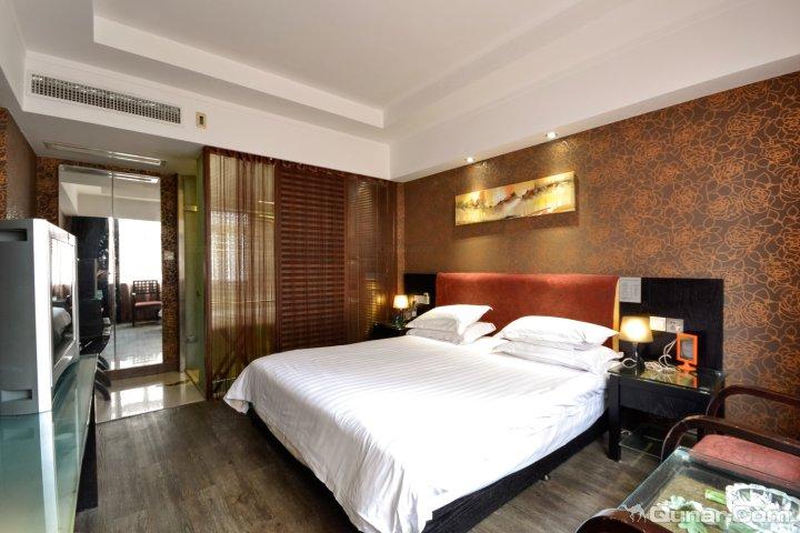 太平米兰假日酒店