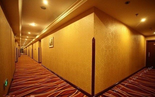 金色假日大酒店(马王堆店)