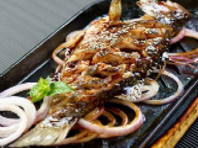 老万州自家烤鱼(平安摩卡店)