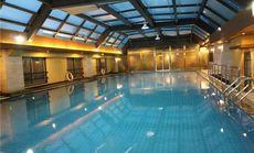 顺辉世纪巴登酒店室内恒温游泳池