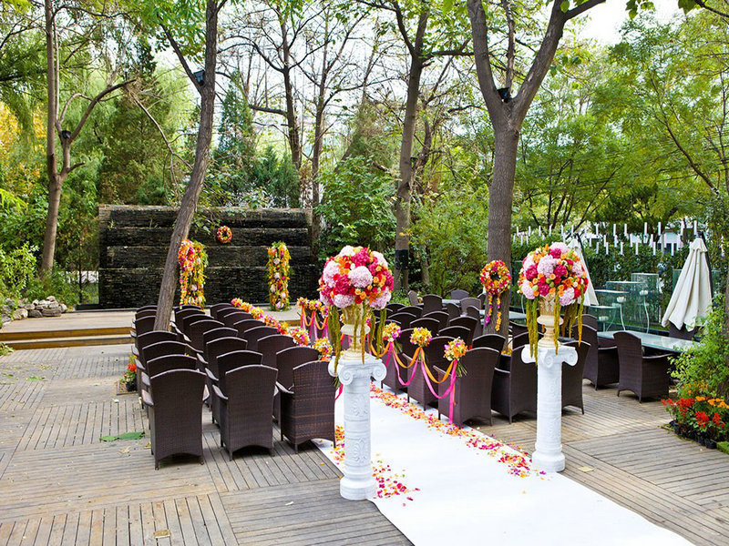 广州翡翠皇冠假日酒店(ADD泛亚自助餐厅)