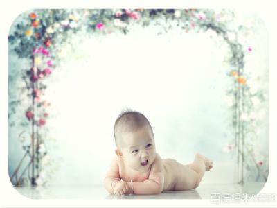 宝宝满月照图片