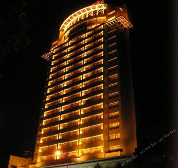 新长江大酒店
