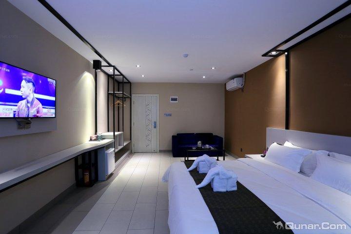 蓝色时尚酒店(同德围店)