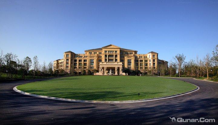 新昌绿城雷迪森大酒店