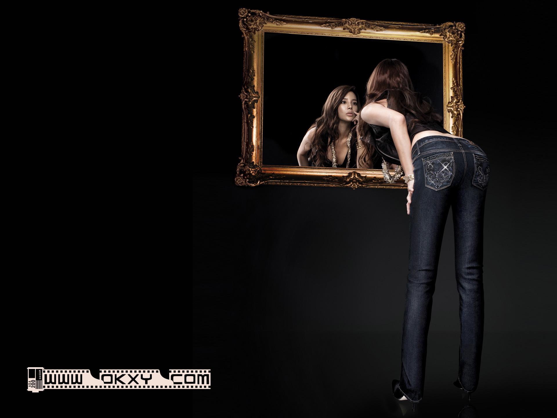 韩国美女壁纸韩国电影黑色背景美女壁纸韩国影视壁纸