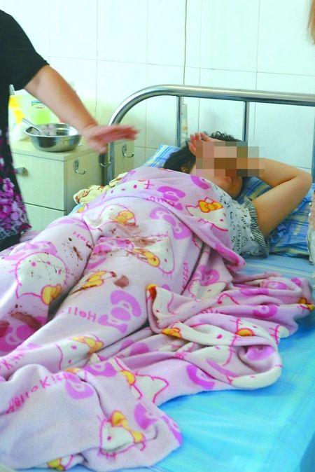 少女产子照片怀孕初期肚子疼12岁的少女产子照片14岁 竖