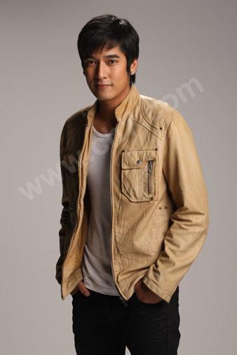 男星vee 米黄色休闲装帅照 泰国明星吧 百度贴吧 高清图片