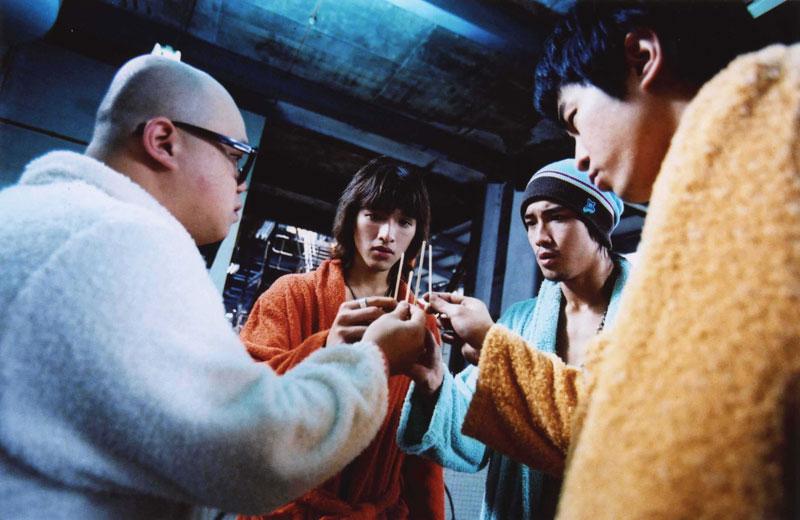 聘请日本av女星与他们一起演出电影……