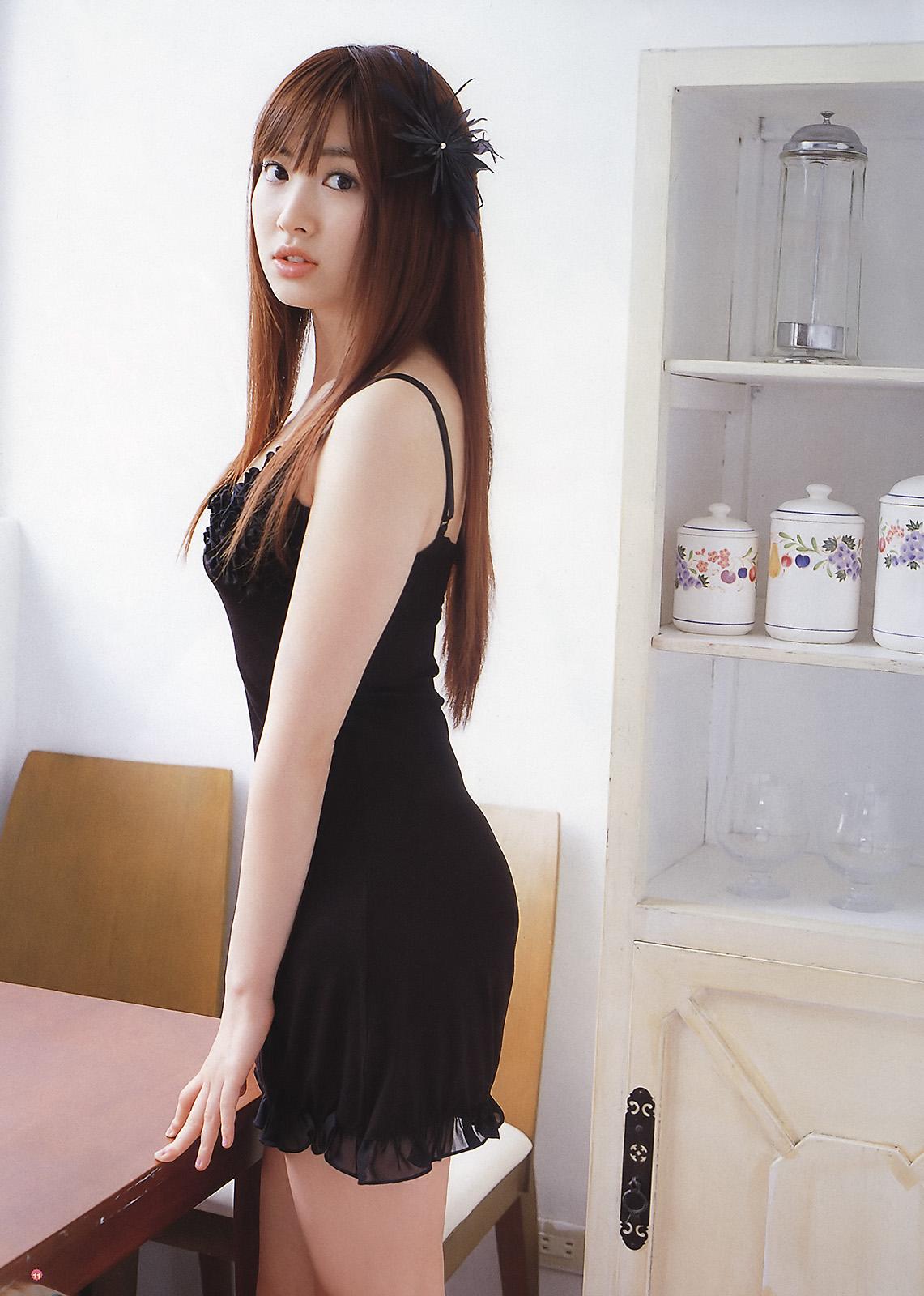 小嶋阳菜发型分享展示