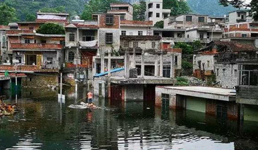 广西一山村遭地下水返涌