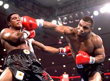 迈克·泰森一回合秒杀 全胜重炮手阿兰克斯