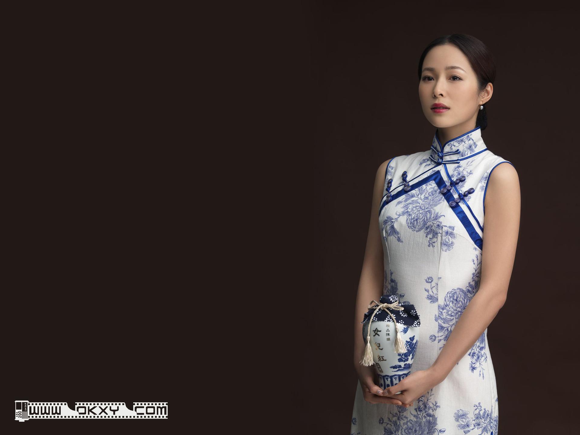 转贴:大陆女明星演员模特旗袍古典美女桌面壁纸电脑