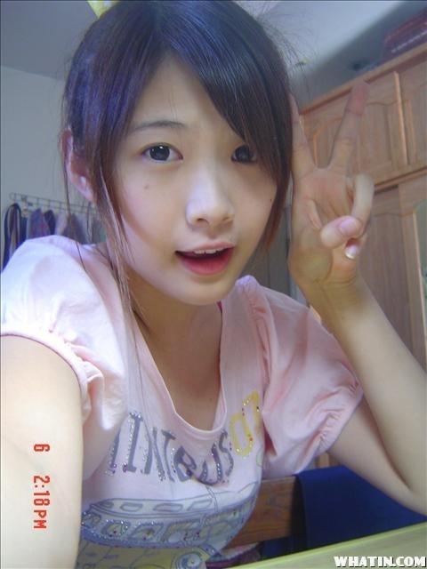 台湾美少女学妹晴晴校园自拍