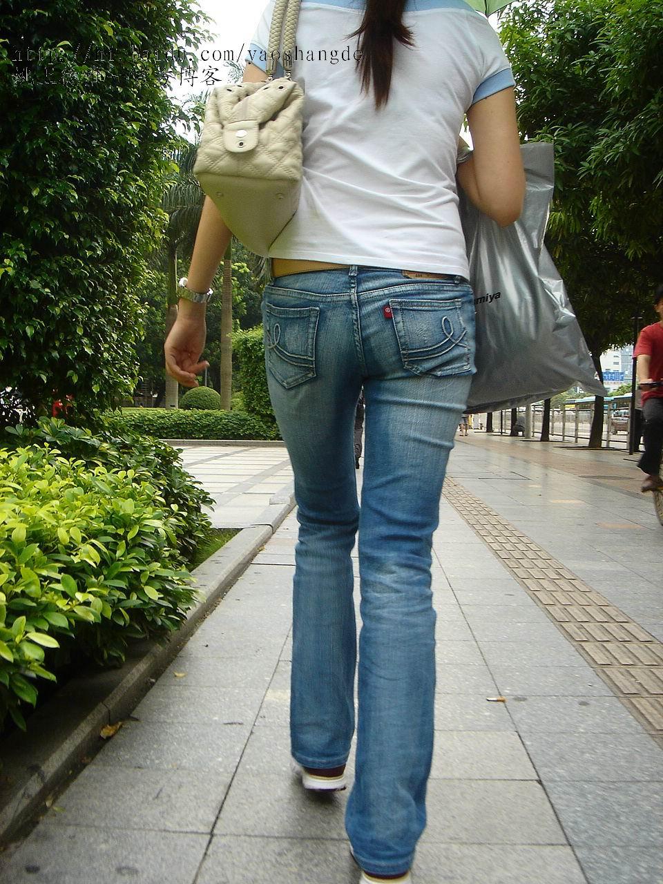 紧身牛仔裤美女 造型师姚上德