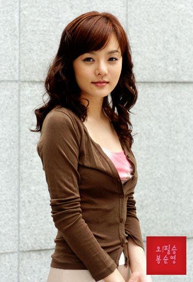 爱上女主播蔡琳�yg�_蔡琳虽然出道不久,但因为演出《夏娃的诱惑》(又名《爱上女主播》)中