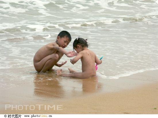 小男孩干小女孩 小男孩干大女人 小女孩和小男孩洗澡图片