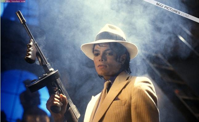 别在你的世界看我mj-针对迈克尔杰克逊不来中国开演唱会的原因