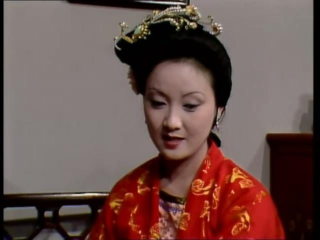 87版电视剧 红楼梦>的人物造型及服饰艺术品鉴----凤姐篇(二)