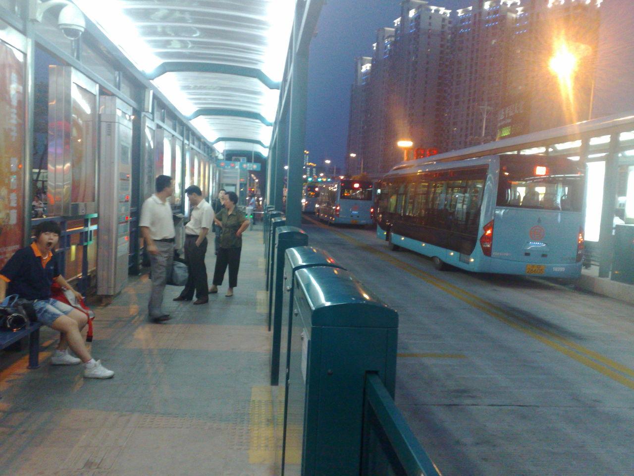洛阳公交车也太破了吧 什么中部大城市 脸面就这样 洛阳高清图片