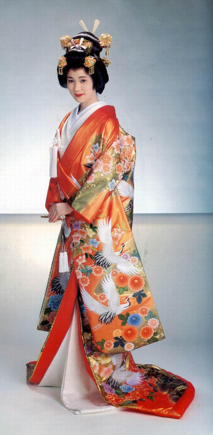 15097846f43bd6006b63e594 Modern Kimono Wedding Dress
