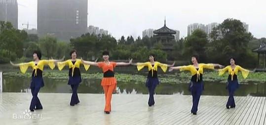 人与动动交配网盘下载_也找不到合适的人来教.林巧云于是自告奋勇地当起了妈妈的舞蹈老师.
