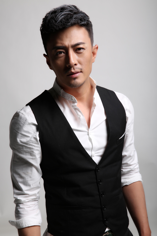 辽宁抚顺籍演员_王铭,出生于辽宁抚顺,电影,电视演员.