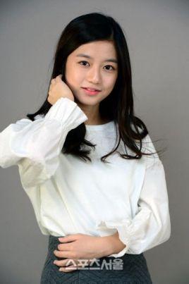 金秀贤成长_金贤秀(韩国女演员(2000年生))_百度百科