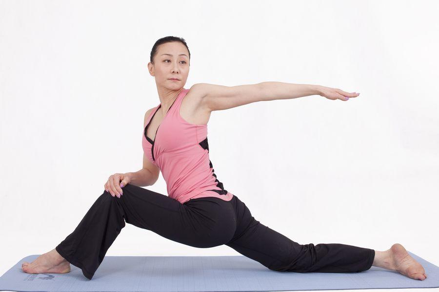 减肥瑜伽_让我们一起做!春节瑜伽甩肉操!(图解)_减肥吧_百度贴吧