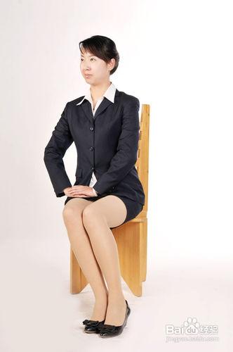 女士坐姿礼仪标准图_女士的坐姿礼仪