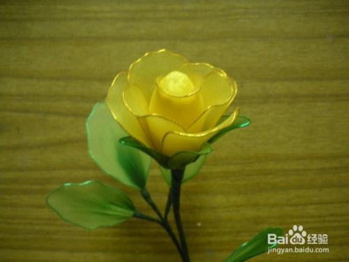 怎样制作玫瑰丝网花_如何制作丝网花玫瑰花