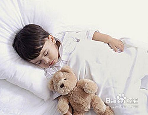 睡觉时头部出汗_小孩睡觉出汗怎么回事_百度经验