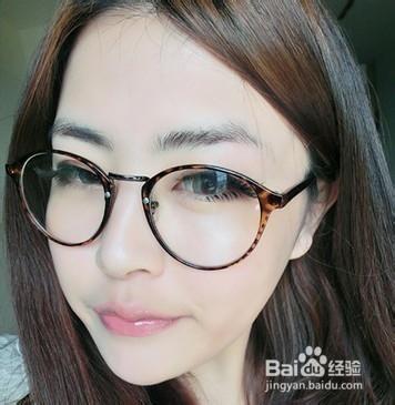 眼镜框女生图片_大圆脸适合带什么眼镜_大圆脸适合什么眼镜_圆脸适合戴什么眼镜 ...