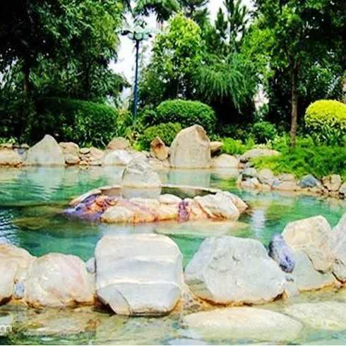弥勒湖泉酒店_弥勒湖泉酒店半山温泉