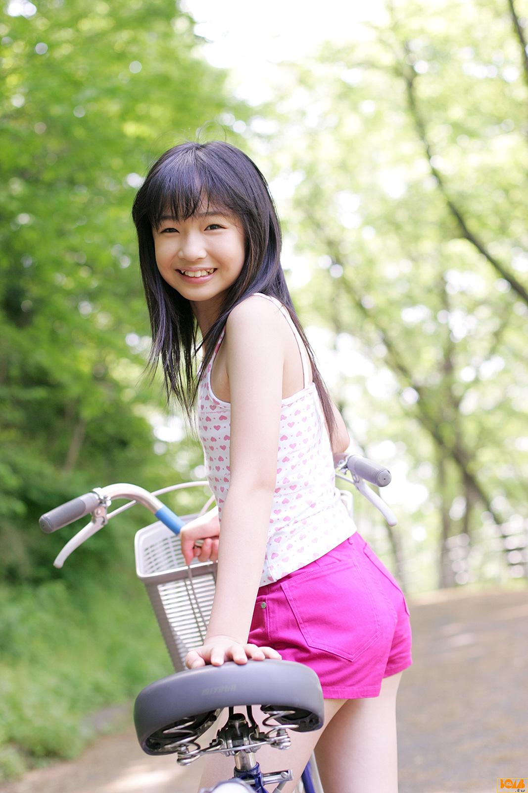 爱爱色五_↙↗爱実de印象↘↖【写真集〗(粉红色)篠原爱実11歳B少女倶