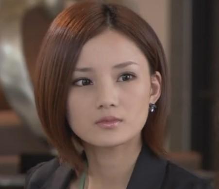 女大圆脸适合的短发_女生圆脸适合什么短发发型_百度知道
