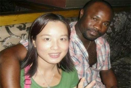 黑人那么大女人��.#y.�_中国女人喜欢黑人,很正常呀,现在在中国有好多的老外,有的已经在中国
