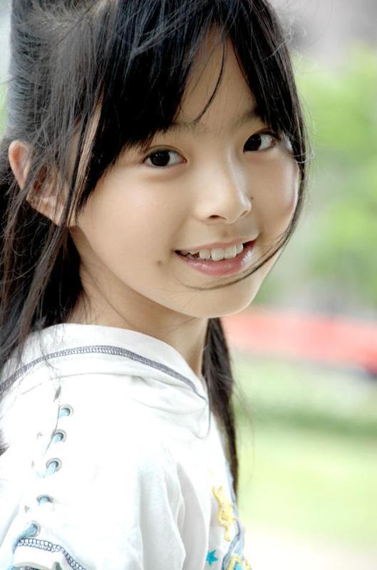 16岁的萌妹融资_16岁美女的多张照片相关图片下载