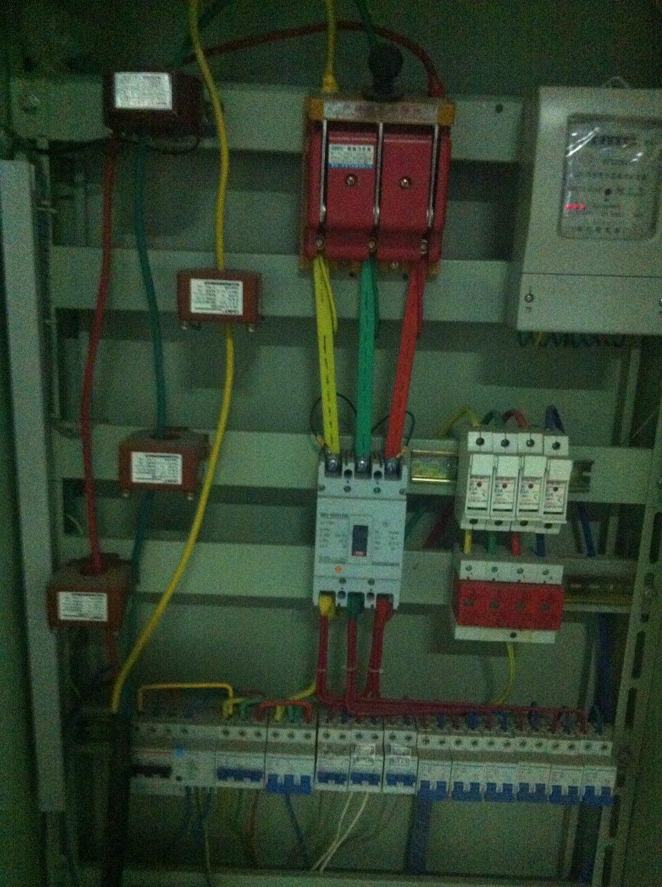 三相四线互感电表_三相四线电能表接了四个电流互感器 而且比率还不一样,最后 ...