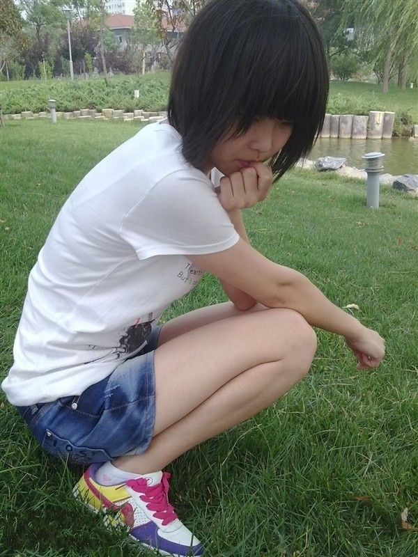 日本小学女生白丝_舔白袜美女脚的故事-闻舔小学生白袜脚/舔初中女同学的白袜脚 ...