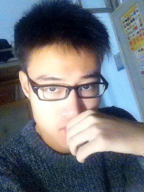 13~14岁男生真人照片_求14岁的男生照片,真人,要帅的!_百度知道