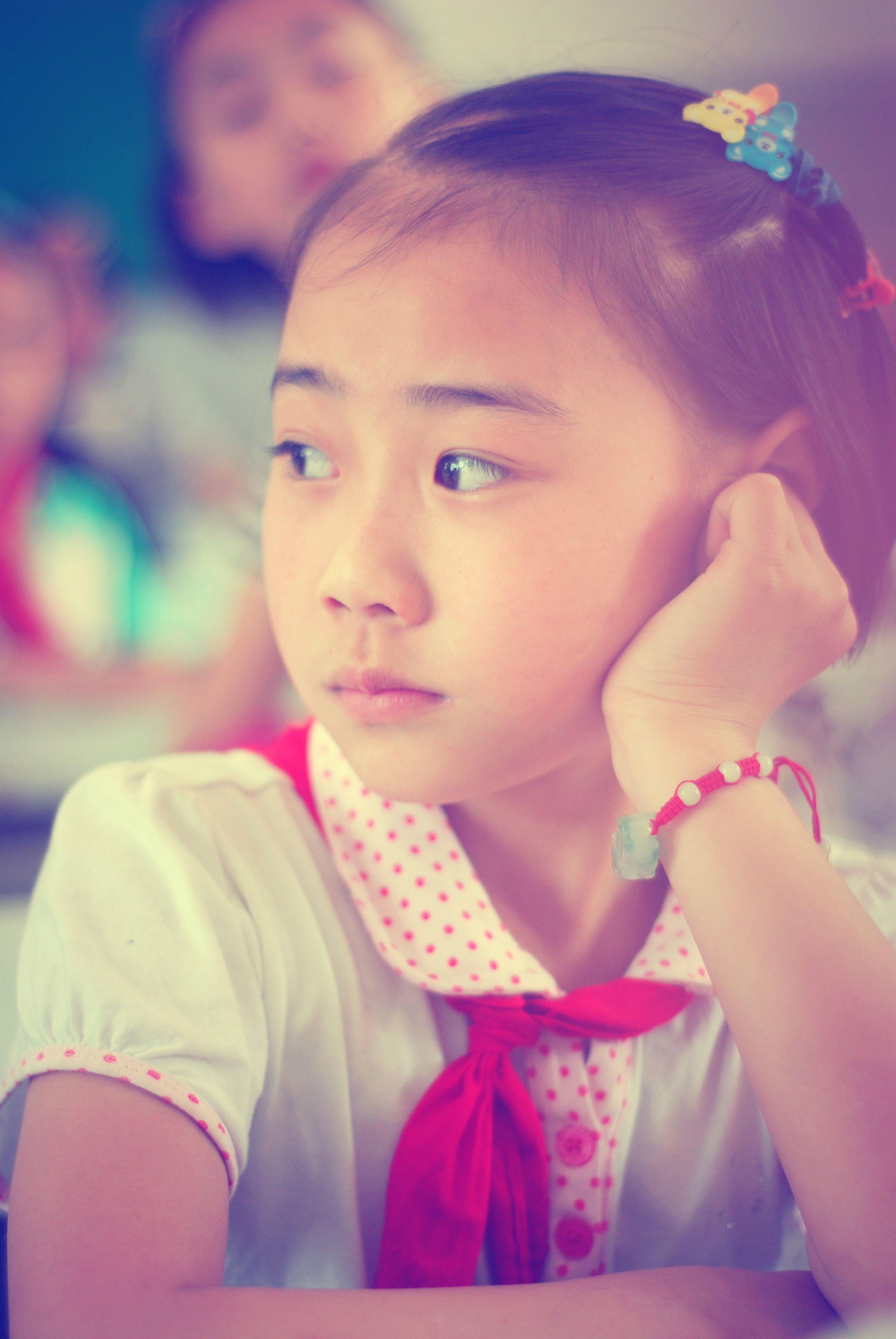 13岁小女孩尿道图_求几张13岁可爱漂亮小女孩的照片,_百度知道