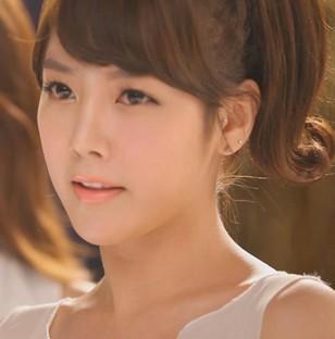 tara素妍_韩国女子组合Tara里面那个好萌的妹子叫什么!!!!_百度知道