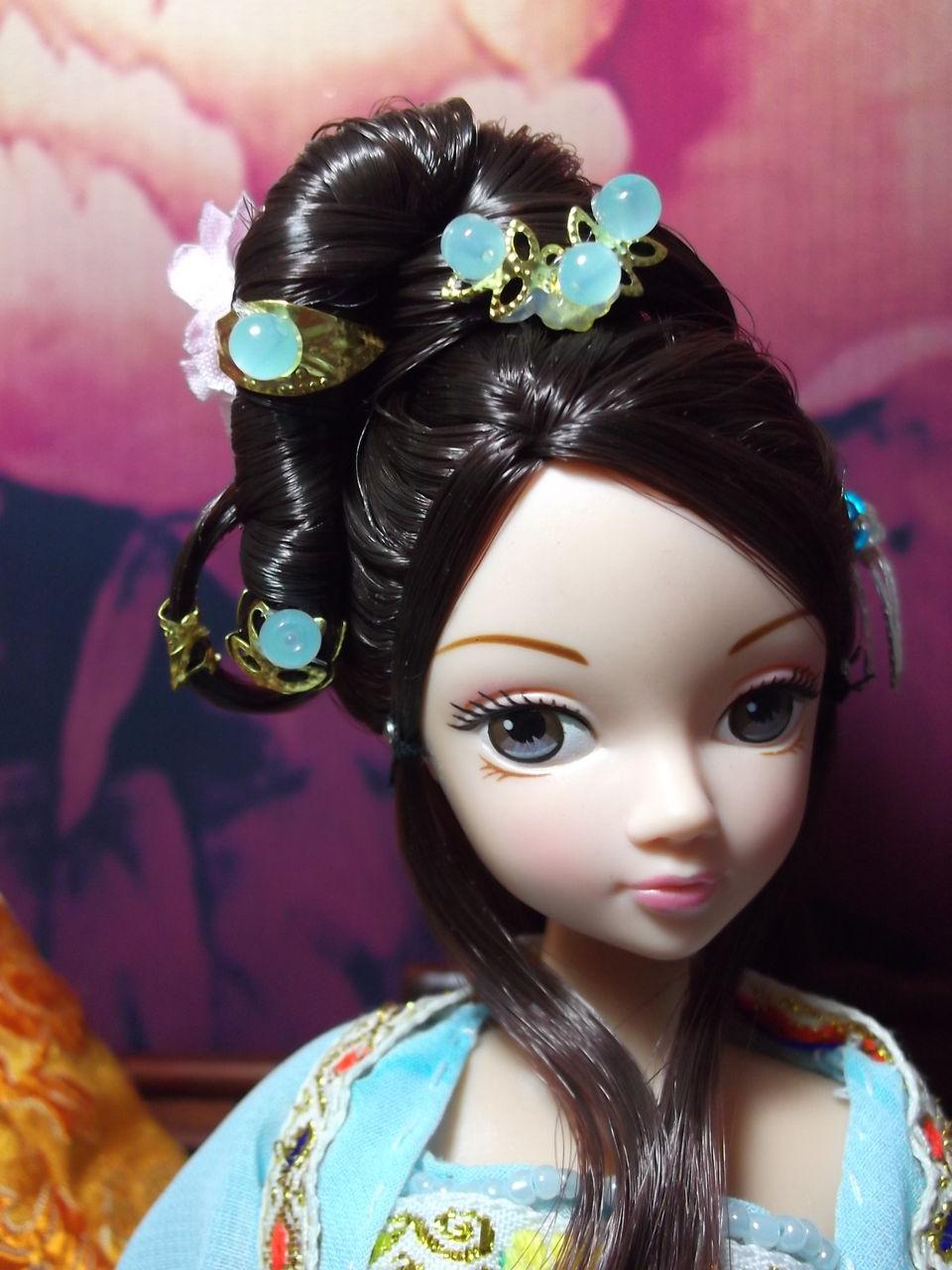 可儿娃娃头饰教程_怎么弄可儿娃娃的古装发型?_百度知道