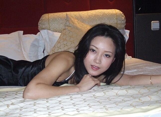 汤芳湖_从出道以来,汤芳的总是带给我们令人惊艳的古典美,同时,她的神秘出身