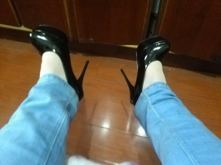 我是男生 來欣賞一下我的高跟鞋吧 申明 我只是愛好沒圖片