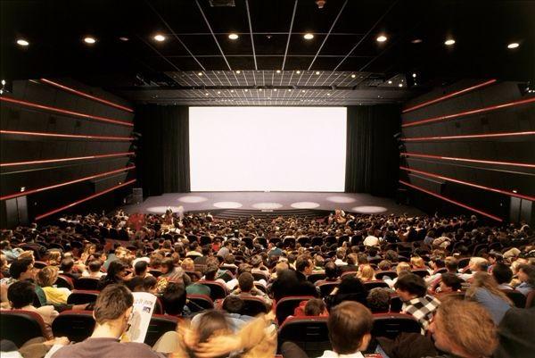 你懂得亚洲男人的电影院_还记得你第一次在电影院看电影的感觉吗?
