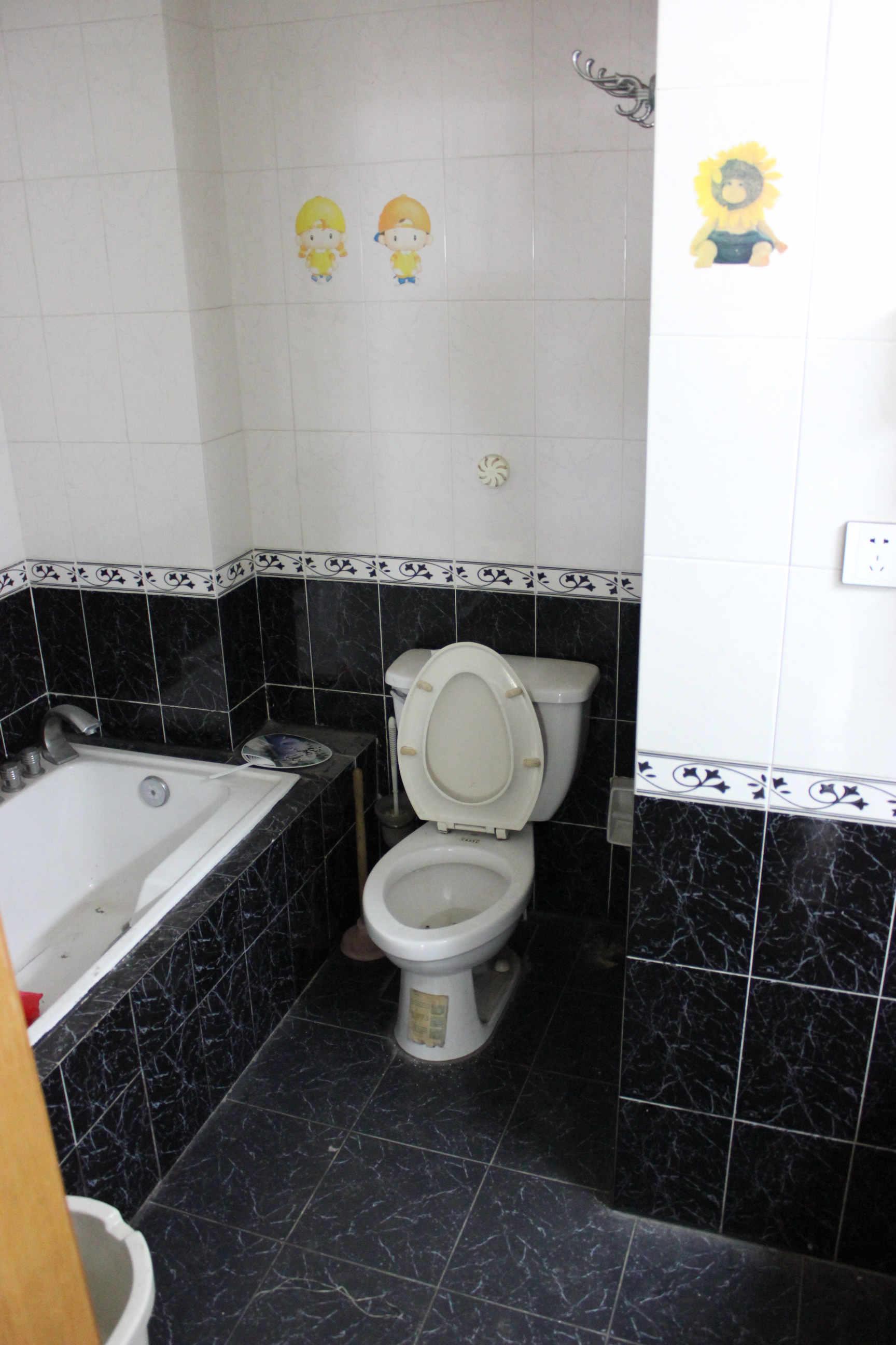 包下水管道_我家楼上卫生间管道井和浴缸部位漏水,水从我家的管道井流 ...