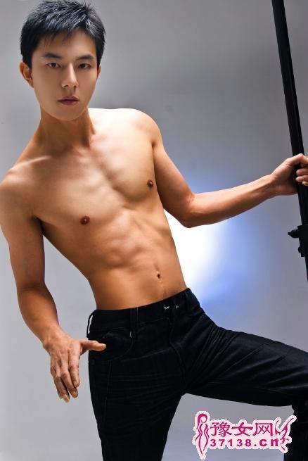 西安男同性服务生_郑州男模会所是干什么的_百度知道